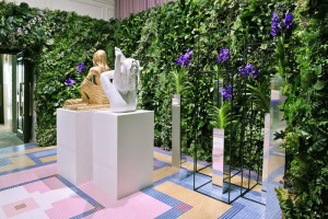 Due sculture di Marc Quinn dedicate alla Moss