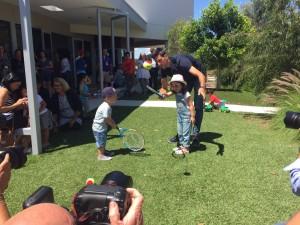 Djokovic in visita alla Melbourne City Mission