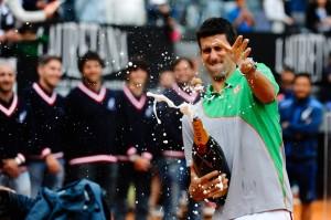 Novak Djokovic festeggia con Moët & Chandon