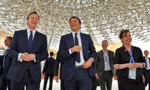 Matteo Renzi visita il Padilgione Regno Unito
