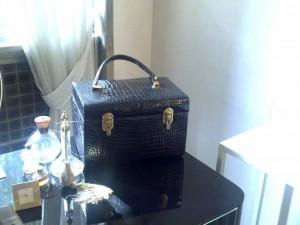 Beauty case griffato Gucci