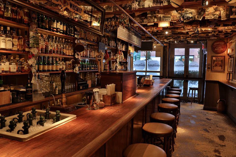 Dead-Rabbit-Grocery-and-Grog-di-New-York_01
