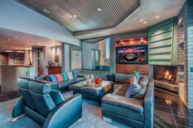The jetsons in vendita la casa ispirata al celebre cartone luxgallery