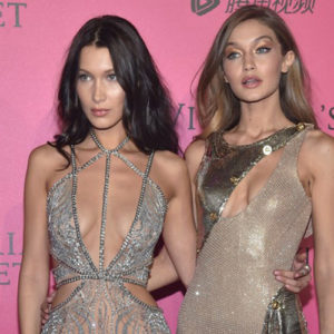 Victoria's Secret Fashion Show 2016 in tv: Gigi e Bella Hadid incantano