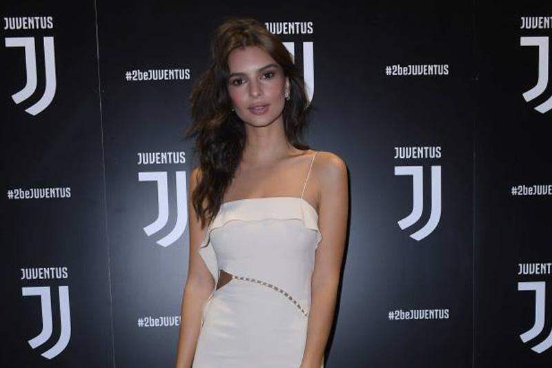 Juventus, al party per il nuovo logo anche Emily Ratajkowski
