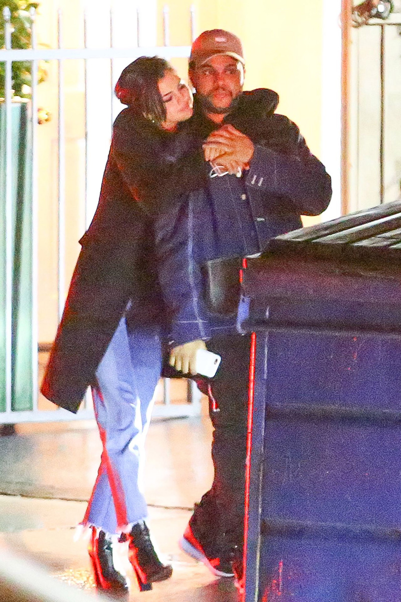 Selena Gomez bacia The Weeknd a Santa Monica