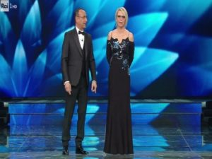 Sanremo 2017 finale outfit  tutti gli abiti dell ultima serata  FOTO ... e50ba7d813f2