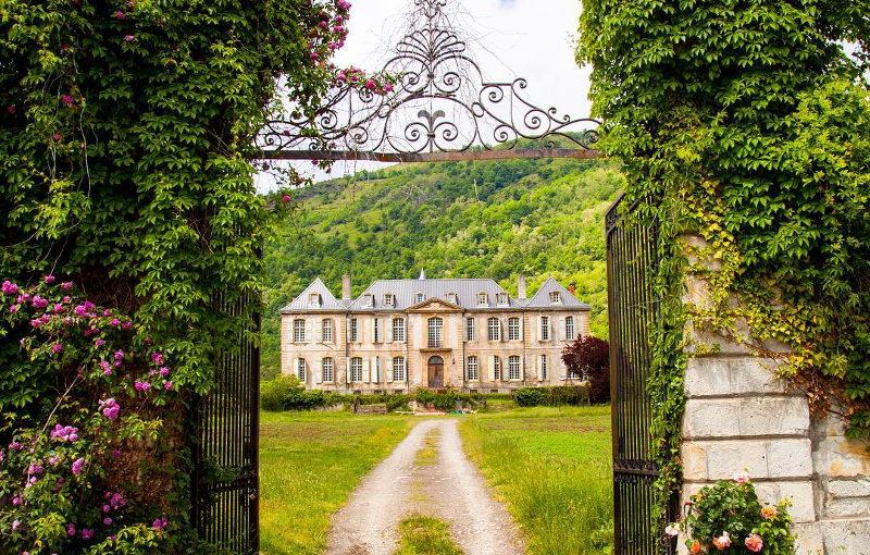 Hotel di lusso da un castello francese del 39 700 nasce una for Case del castello francese