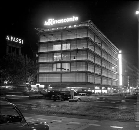 Agenzia Fotogiornalistica Publifoto Roma, Roma, inaugurazione del magazzino la Rinascente in piazza Fiume, 16 settembre 1961, negativo mm 60x60 (C175278S)