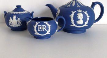 Mostra Parma, ceramiche commemorative Giubileo Zaffiro Elisabetta