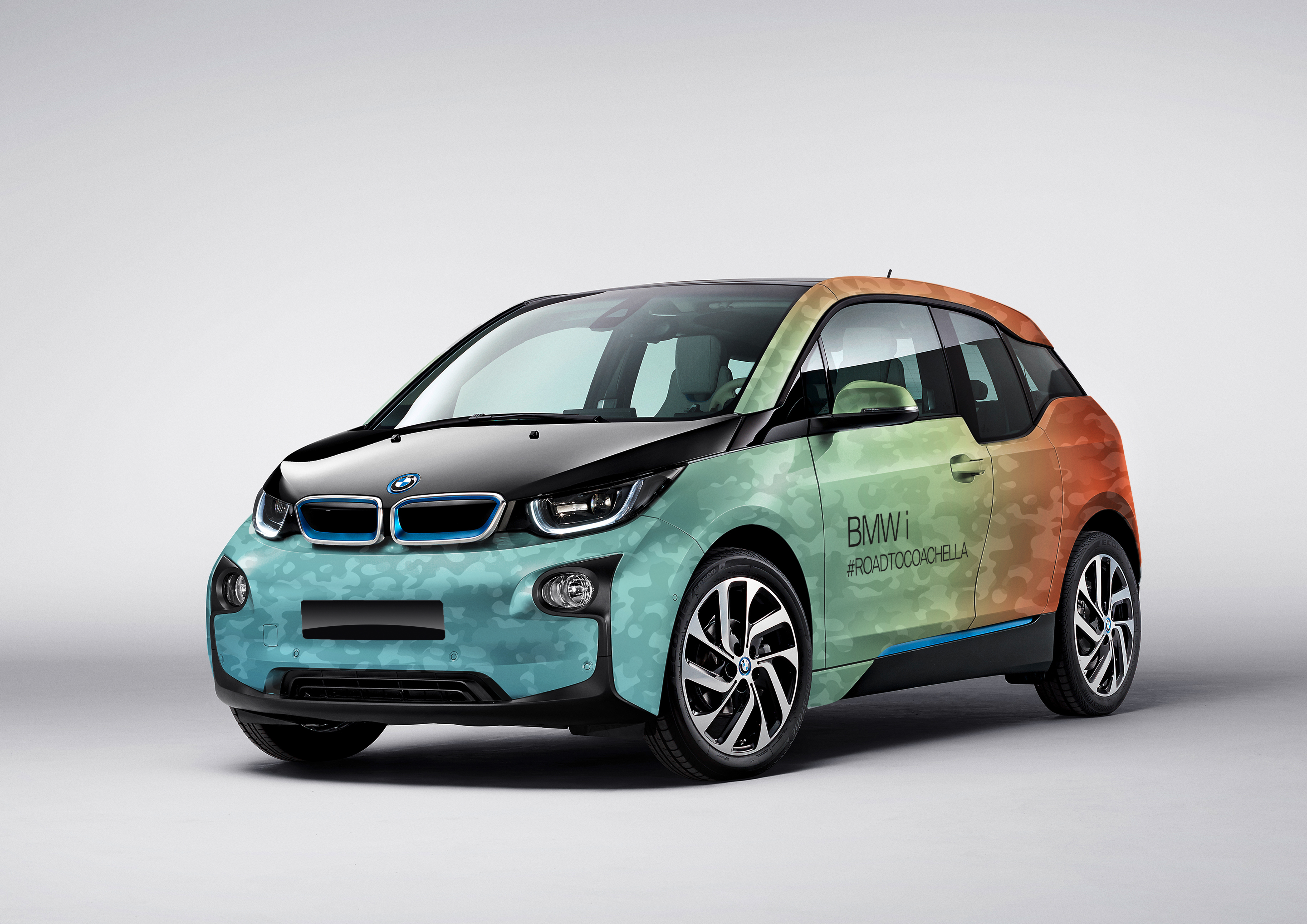 p90254316_highres_bmw-i3-with-coachell