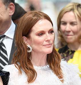 """CANNES, FRANCE - MAY 18:  Michelle Williams and  Julianne Moore attends the """"Wonderstruck"""" screening during the 70th annual Cannes Film Festival at Palais des Festivals on May 18, 2017 in Cannes, France.  (Photo by Dominique Charriau/WireImage)"""