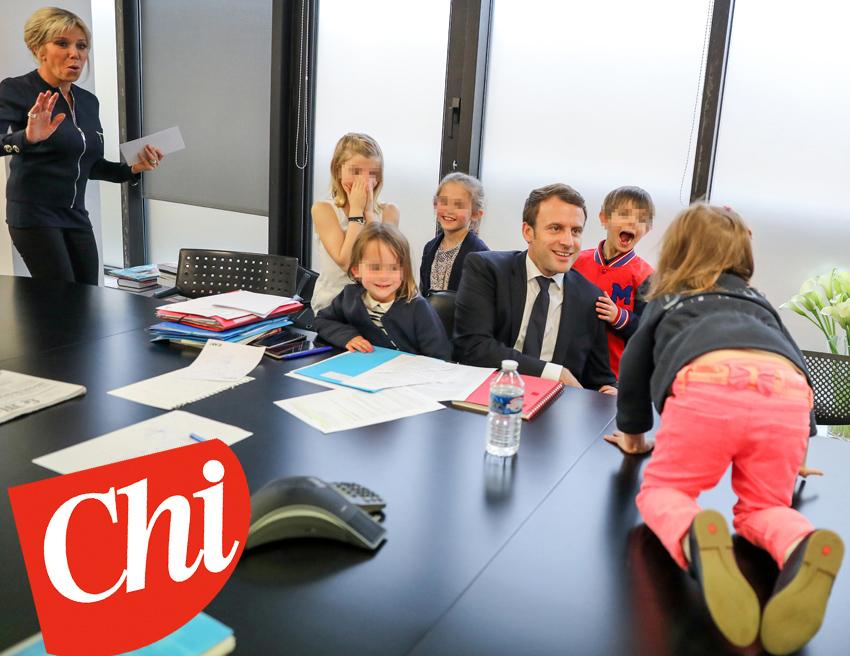 Exclusif - No tabloid - Prix SpÈcial - No Web No Blog - Emmanuel Macron entourÈ de sa femme Brigitte Macron, et ses petites-filles Alice, Emma (filles de L.AuziËre), Elise (fille de T.AuziËre), Camille et Thomas (fille et fils de L.AuziËre) - Emmanuel Macron ‡ son QG de campagne au soir du deuxiËme tour, dans l'attente des rÈsultats des Èlections prÈsidentielles, ‡ Paris. Le 7 mai 2017. © Dominique Jacovides - SÈbastien Valiela / Bestimage Exclusive - No Tabloid - - Special Price - No Web No Blog - Emmanuel Macron with his wife Brigitte (Trogneux) and their grand-daughters Emma and Alice (L.AuziËre's daughters), Elise (T.AuziËre's daughter), Camille (S.AuziËre's daughter) and Thomas (L.AuziËres's son) at his GQ waiting for the results of the second round of the french presidential election. Paris, May 7th, 2017.