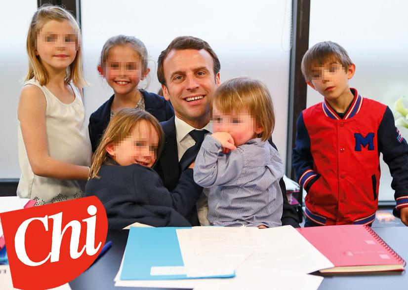 Exclusif - No tabloid - Prix SpÈcial - No Web No Blog - Emmanuel Macron entourÈ de ses petites-filles Emma (fille de L.AuziËre), Elise (fille de T.AuziËre), Camille (fille de S.AuziËre) et Thomas (fils de L.AuziËre) - Emmanuel Macron ‡ son QG de campagne au soir du deuxiËme tour, dans l'attente des rÈsultats des Èlections prÈsidentielles, ‡ Paris. Le 7 mai 2017© SÈbastien Valiela - Dominique Jacovides / Bestimage Exclusive - No Tabloid - - Special Price - No Web No Blog - Emmanuel Macron with his grand-daughters Emma and Alice (L.AuziËre's daughters), Elise (T.AuziËre's daughter), Camille (S.AuziËre's daughter) and Thomas (L.AuziËres's son) at his GQ waiting for the results of the second round of the french presidential election. Paris, May 7th, 2017.