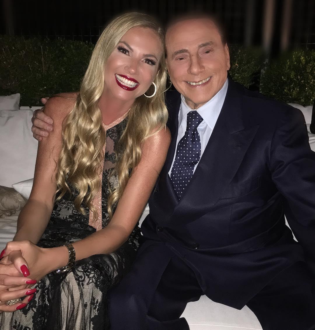 Berlusconi al party di Federica Panicucci: