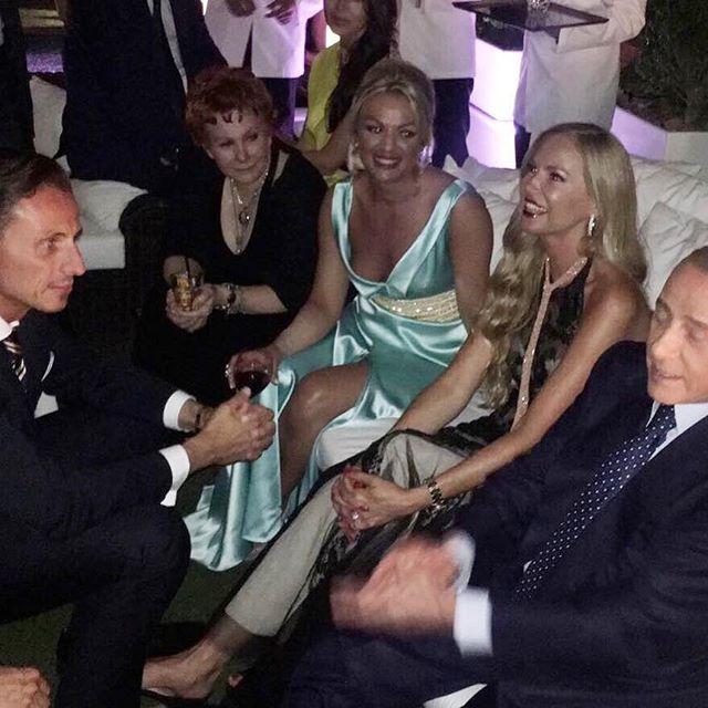 Federica Panicucci, Berlusconi ospite al suo party: