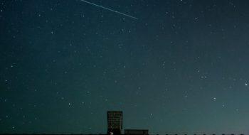 sky-night-space-house