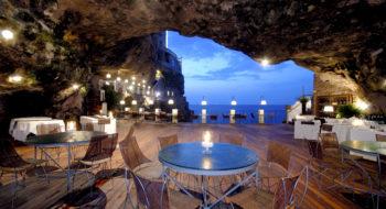 Il ristorante dal fondo della grotta - Photo Credit: Grotta Palazzese