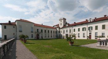 800px-castello_di_masino_-_panoramio