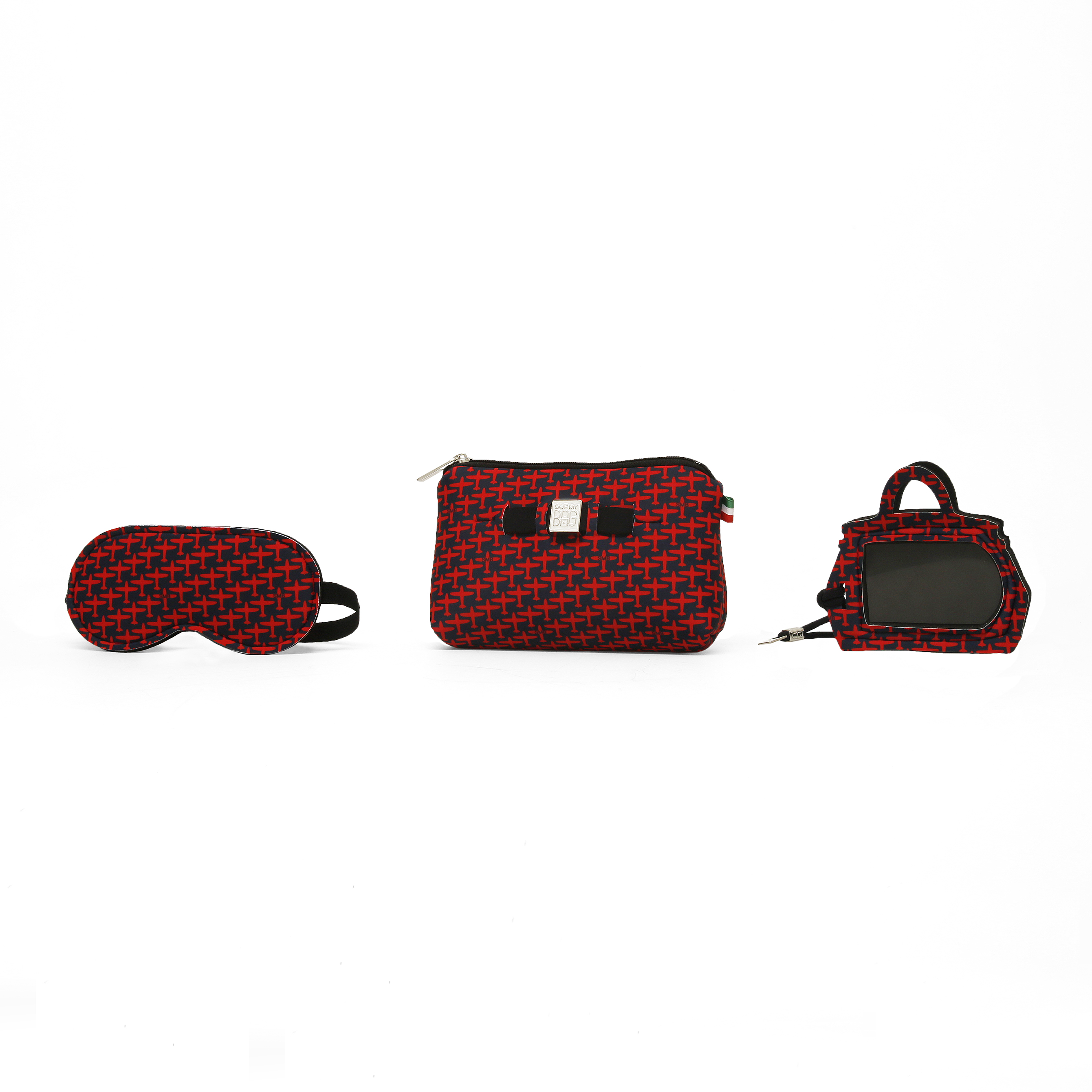 ... ed etichette per bagagli. Tutti gli accessori sono realizzati con  l innovativo materiale Poly-fabric con Lycra® e proposto in due esclusive  stampe ove ... 9e0c4a93b8d