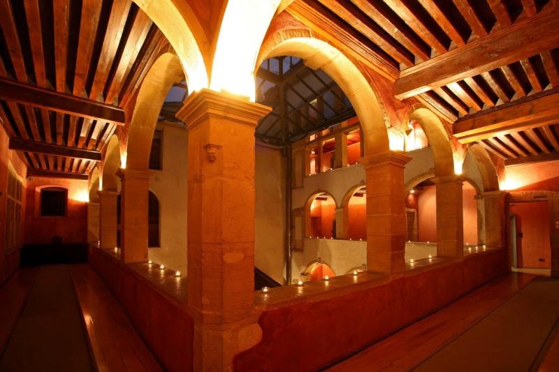 Il loggiato interno - © Cour des Loges - G.Picout MPM A.Rico ME Brouet DR