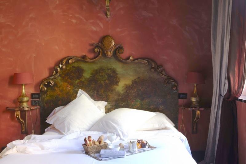 Una delle camere - © Cour des Loges - G.Picout MPM A.Rico ME Brouet DR