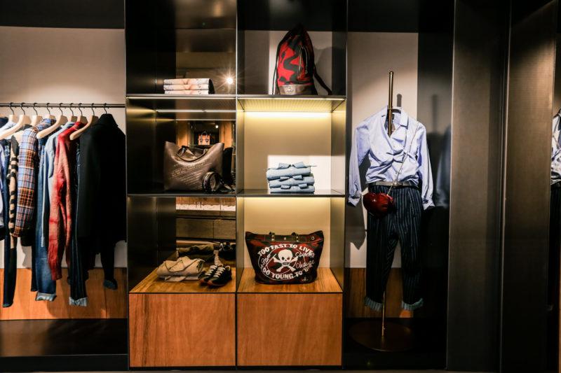 Le Foto Del Nuovo Starbuks Ad Amsterdam : Vivienne westwood nuova boutique ad amsterdam foto