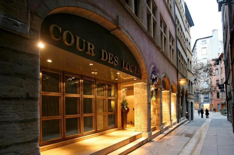 Vista esterna - © Cour des Loges - G.Picout MPM A.Rico ME Brouet DR