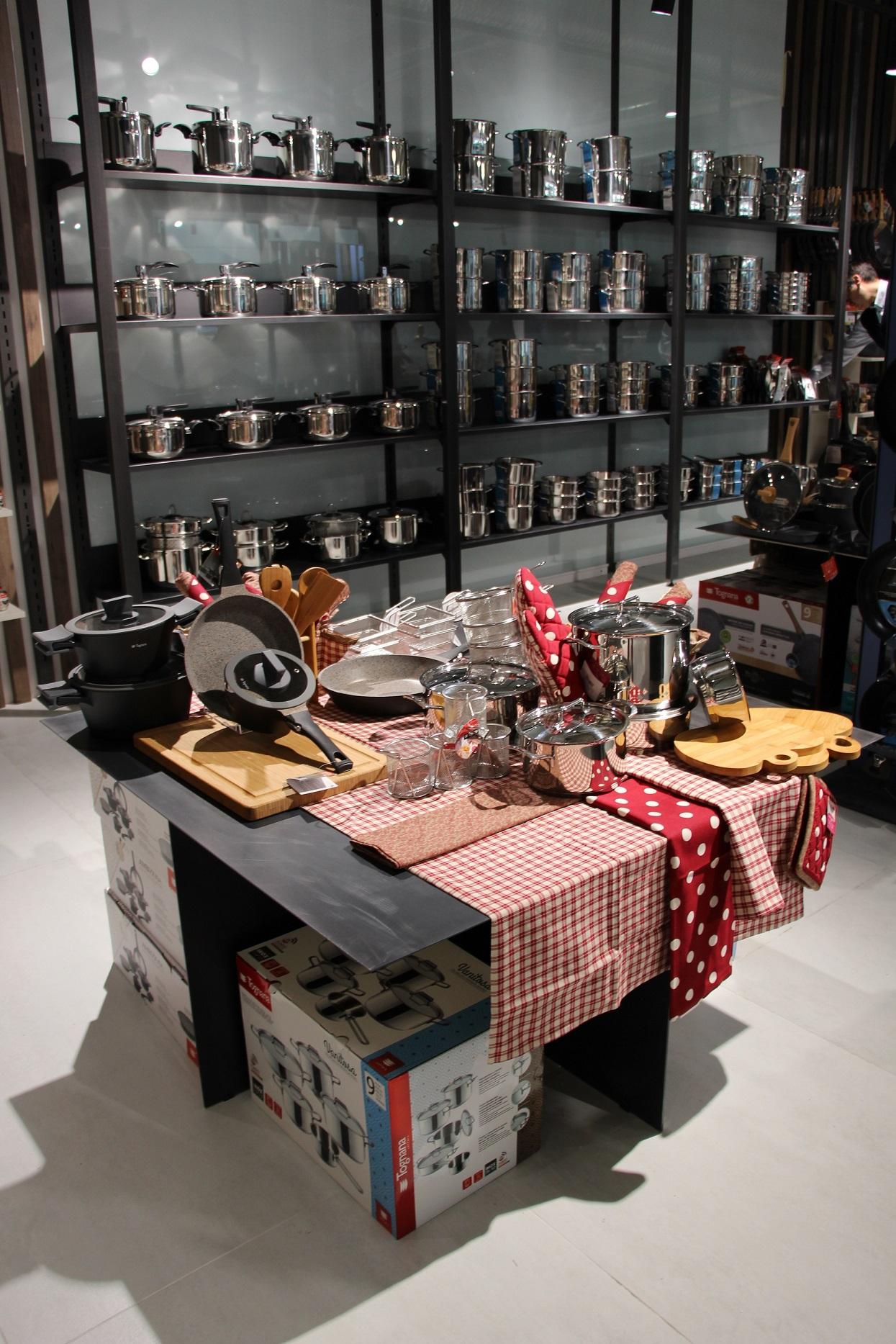 Tognana nuovo flagship store all 39 interno di citylife for Prezzi city life milano