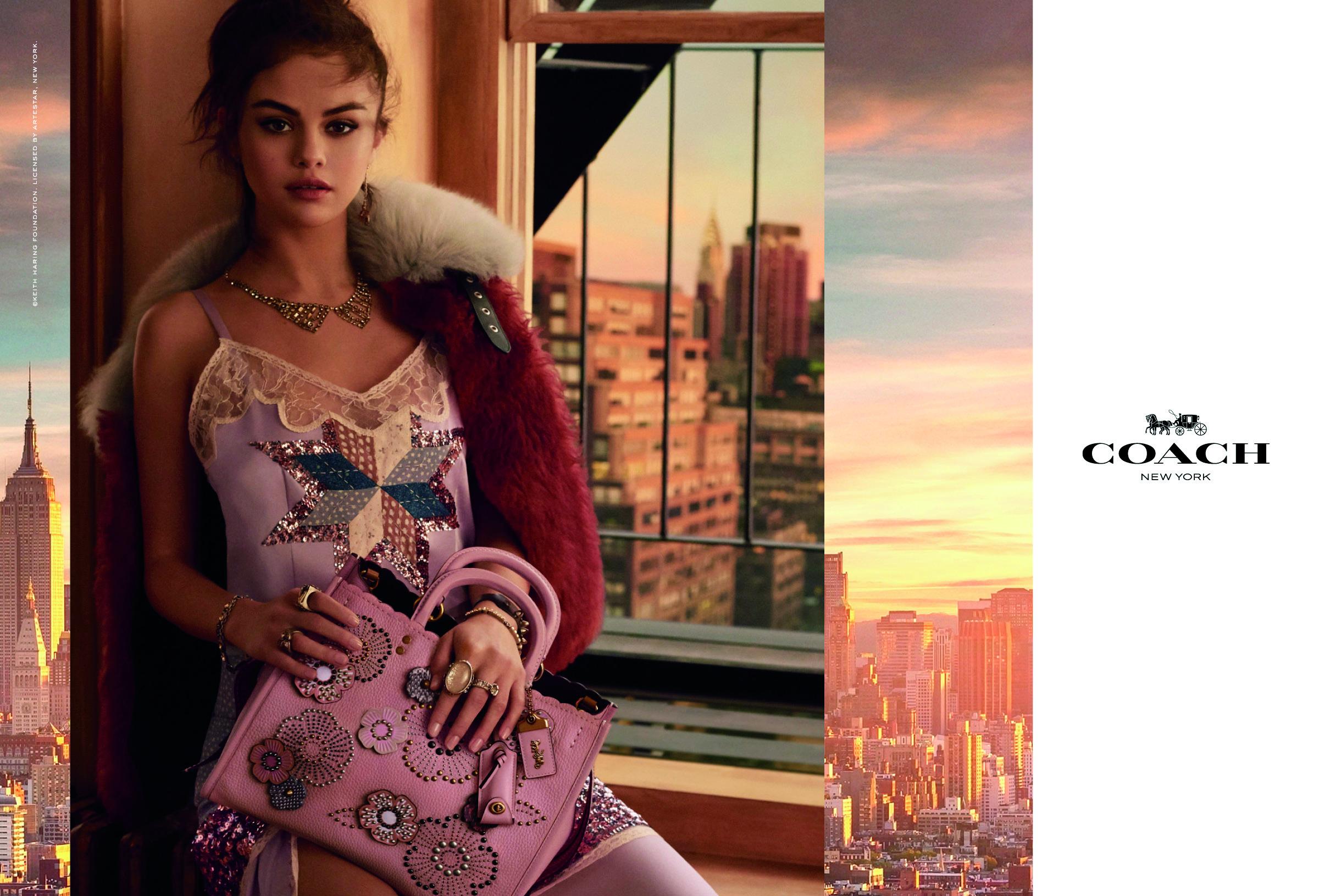 Selena Gomez di nuovo mora nella campagna Primavera/Estate di Coach