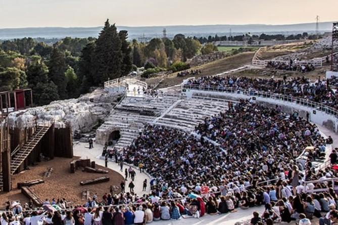 Siracusa, al via il Festival al Teatro greco: pienone per Eracle