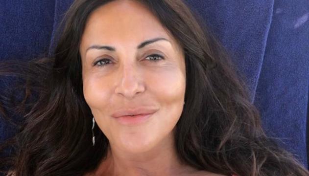 Calendario Di Sabrina Ferilli.Vacanze Vip Sabrina Ferilli Fisico Forme Molto Morbide Per