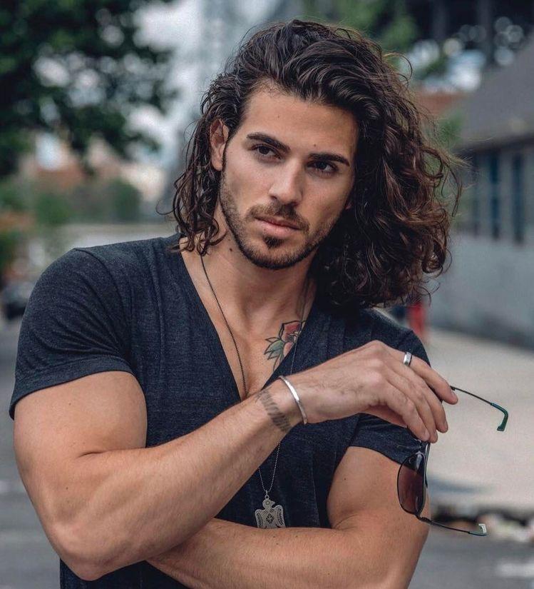 Moda capelli lunghi uomo 2019