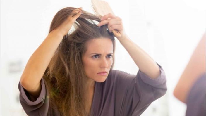 6 pratici consigli per mantenere giovani i tuoi capelli