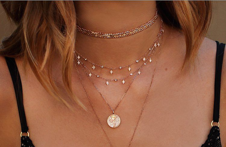negozio online 40b0b 82c84 Bijoux tendenze 2019: orecchini, collane, bracciali e anelli