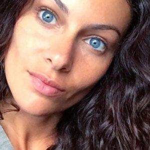 Paola Turani è Bellissima: questo è solo uno dei #3 motivi per cui conoscerla