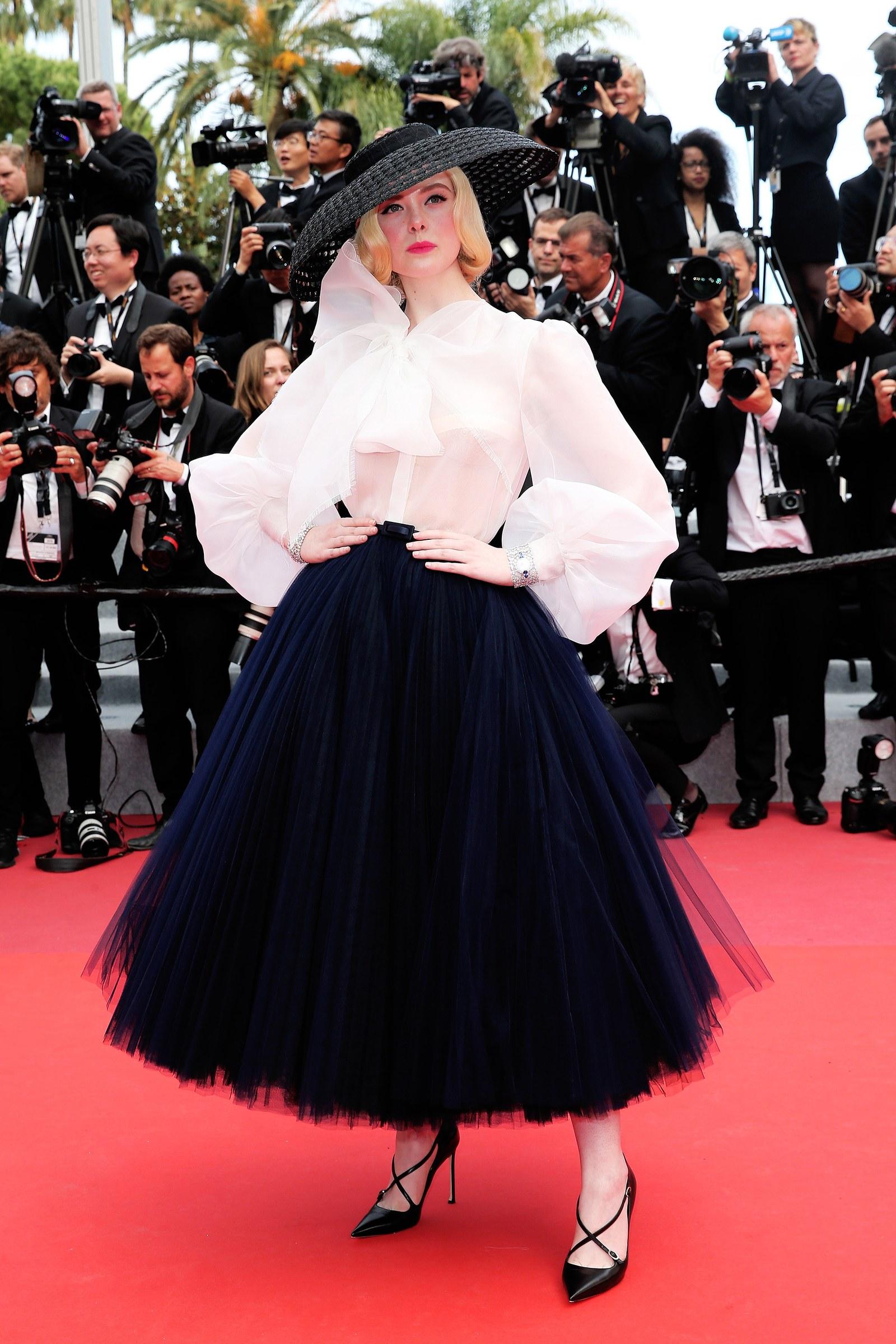 sale retailer 0dc99 502dc Cannes 2019: Elle Fanning magnifica in Dior, l'abito ...
