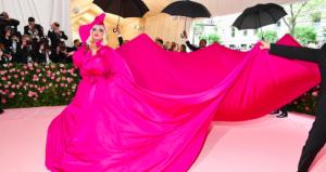 Gaga Oh-la-la! La Lady più famosa con l'abito più sorprendente del Met Gala 2019