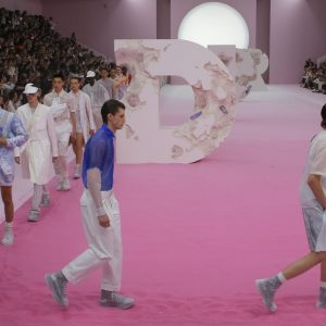 Sfilata Moda Uomo Dior Homme Parigi 2019: tra arte e richiami al passato