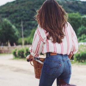 Come indossare jeans e pantaloni a vita alta, vero must Primavera/Estate 2019