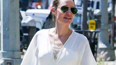 Angelina Jolie non ha dubbi: caftano che passione!