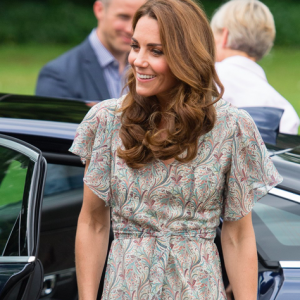 Kate Middleton indossa delle scarpe economiche (fra un paio di Jimmy Choo e l'altro!)
