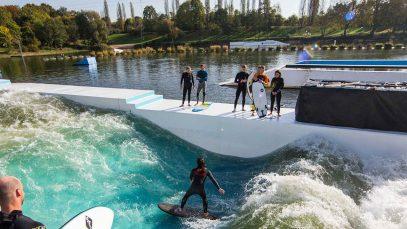Inaugura Pool Waves, la nuova moda dell'estate milanese surfa in città!