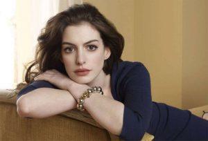 Anne Hathaway annuncia la sua seconda gravidanza avvenuta nonostante l'infertilità
