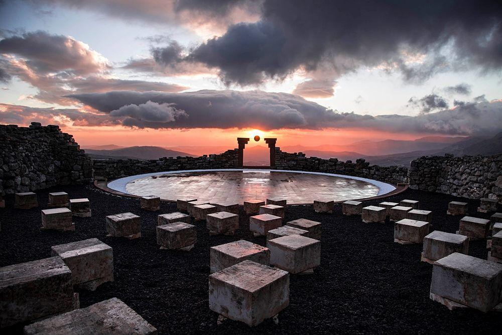 Marco Mengoni al Teatro Andromeda: scaletta, come arrivare, date Fuori Atlantico