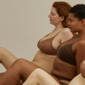 Oysho e la sua linea di intimo dedicata alle donne con i rotolini e la cellulite