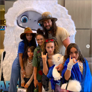 Jason Momoa porta tutta la famiglia a guardare Il piccolo Yeti: tra risate e lacrime