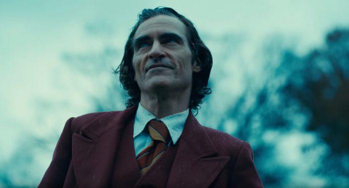 Joaquine Phoenix alias Joker: la standing ovation alla premiere di Venezia