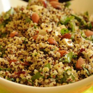 Da Gwyneth Paltrow a Jennifer Aniston: tutte pazze per l'insalata di quinoa