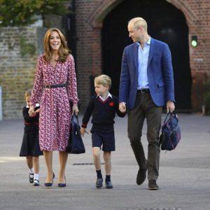 Kate è bellissima per il primo giorno di scuola di George e Charlotte